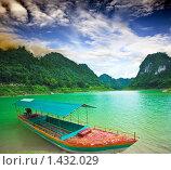 Купить «Озеро Тан Хен. Провинция Каобанг. Вьетнам», фото № 1432029, снято 16 августа 2009 г. (c) Ольга Хорошунова / Фотобанк Лори