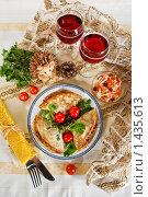 Сервированный праздничный стол на Масленицу. Стоковое фото, фотограф Лисовская Наталья / Фотобанк Лори