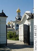 Купить «Ворота в монастырь Гомель Беларусь», фото № 1441677, снято 28 июля 2009 г. (c) Владимир Фаевцов / Фотобанк Лори