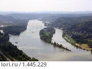 Вид с холма на реку Рейн в Германии. Стоковое фото, фотограф Дмитрий Милехин / Фотобанк Лори