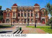 Купить «Старое здание в центре Томска», фото № 1445845, снято 18 июля 2009 г. (c) Михаил Марковский / Фотобанк Лори