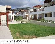 Кипр. Зелёные насаждения, морской воздух и привлекательные дома (2009 год). Стоковое фото, фотограф Дамир / Фотобанк Лори