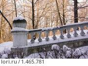 Купить «Усадьба Быково. Ограда из белого камня.», фото № 1465781, снято 1 января 2006 г. (c) Илюхина Наталья / Фотобанк Лори