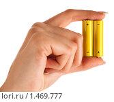 Купить «Батарейки в женской руке», фото № 1469777, снято 16 января 2010 г. (c) Антон Викторович / Фотобанк Лори