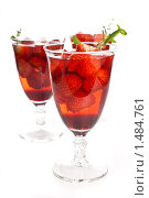 Купить «Свежий клубничный коктейль», фото № 1484761, снято 20 декабря 2009 г. (c) Лидия Рыженко / Фотобанк Лори