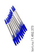 Синие ручки, изолированные на белом фоне. Стоковое фото, фотограф Владимир Зорин / Фотобанк Лори