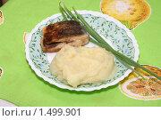 Картофельное пюре с жареной рыбой (2010 год). Редакционное фото, фотограф Марина Проскурина / Фотобанк Лори