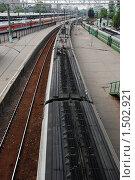 Вид на поезд с моста. Стоковое фото, фотограф Толкачева Мария / Фотобанк Лори