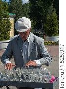 Купить «Углич. Уличный музыкант», фото № 1525917, снято 11 июля 2009 г. (c) Ирина Фирсова / Фотобанк Лори