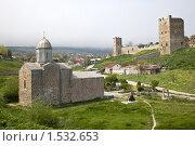 Купить «Храм и крепость», фото № 1532653, снято 7 мая 2009 г. (c) Parmenov Pavel / Фотобанк Лори