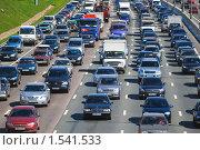 Купить «Движение на МКАД, пробка. Зной», эксклюзивное фото № 1541533, снято 30 мая 2009 г. (c) Алёшина Оксана / Фотобанк Лори