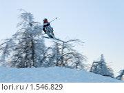 Купить «Лыжник в полете», фото № 1546829, снято 9 марта 2010 г. (c) Сергей Яковлев / Фотобанк Лори
