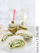 Купить «Аппетитная закуска: брынза в лаваше», эксклюзивное фото № 1556085, снято 15 марта 2010 г. (c) Лисовская Наталья / Фотобанк Лори