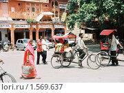 Купить «На улице Джайпура. Скан с плёнки», эксклюзивное фото № 1569637, снято 10 апреля 2020 г. (c) Free Wind / Фотобанк Лори