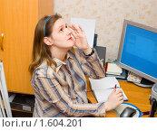 Купить «Глаза устали от компьютера», фото № 1604201, снято 3 апреля 2010 г. (c) Типляшина Евгения / Фотобанк Лори