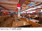 Купить «Интерьер кафе», эксклюзивное фото № 1605609, снято 5 июня 2008 г. (c) Иван Сазыкин / Фотобанк Лори