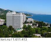 Купить «Вид на курортную часть Сочи с высоты», фото № 1611413, снято 8 июня 2005 г. (c) Анна Мартынова / Фотобанк Лори