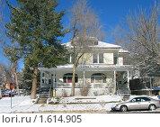Купить «Деревянный коттедж зимой», фото № 1614905, снято 25 декабря 2007 г. (c) Валентина Троль / Фотобанк Лори