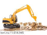 Купить «Желтый игрушечный экскаватор и монеты», фото № 1614945, снято 7 апреля 2010 г. (c) Андрей Лавренов / Фотобанк Лори