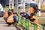 Купить «Рабочие-гастарбайтеры ведут покрасочные работы», фото № 1615989, снято 7 апреля 2010 г. (c) Сергей Лаврентьев / Фотобанк Лори