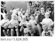 Купить «Дети в костюмах зайчиков. Новый год в детском саду, 1968 год», фото № 1624305, снято 21 сентября 2018 г. (c) Щеголева Ольга / Фотобанк Лори