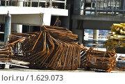 Купить «Арматура на строительной площадке: связки хомутов и шпилек», фото № 1629073, снято 14 апреля 2010 г. (c) Анна Мартынова / Фотобанк Лори
