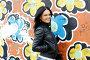 Девушка у стены с граффити, фото № 1635417, снято 17 апреля 2010 г. (c) Ткачёва Ольга / Фотобанк Лори