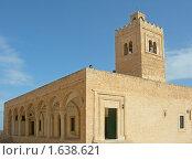 Купить «Тунис, старинная мечеть рядом с крепостью Рибат в Монастире», фото № 1638621, снято 17 февраля 2010 г. (c) Татьяна Юни / Фотобанк Лори