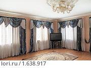 Купить «Роскошная гостиная», фото № 1638917, снято 14 апреля 2010 г. (c) Игорь Долгов / Фотобанк Лори