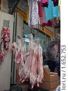Купить «Мясной ряд. Назарет. Израиль», фото № 1652753, снято 22 августа 2009 г. (c) Кузнецов Дмитрий / Фотобанк Лори
