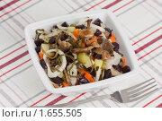 Купить «Винегрет с солеными опятами и морской капустой», эксклюзивное фото № 1655505, снято 23 апреля 2010 г. (c) Давид Мзареулян / Фотобанк Лори