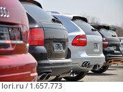 Автомобили. Редакционное фото, фотограф Александр Романов / Фотобанк Лори