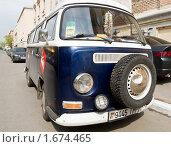 Купить «Volkswagen Transporter из Белоруссии припаркован на улице Малая Ордынка», фото № 1674465, снято 1 мая 2010 г. (c) FotAle / Фотобанк Лори