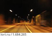 Купить «Автомобильный туннель», фото № 1684265, снято 4 мая 2010 г. (c) Литова Наталья / Фотобанк Лори