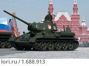 Легендарный советский средний танк T-34-85 на параде 9 мая 2010 года. Красная Площадь, Москва, Россия. Редакционное фото, фотограф Алексей Зарубин / Фотобанк Лори