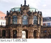 Купить «Фрагмент старого здания, Дрезден, Германия», фото № 1695365, снято 14 августа 2007 г. (c) Сергей Кандауров / Фотобанк Лори