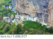 Купить «Успенский монастырь в скале. Чуфут-Кале, Бахчисарай, Крым», фото № 1696017, снято 8 мая 2009 г. (c) Юрий Брыкайло / Фотобанк Лори