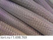 Купить «Стальная сетка-рабица в рулонах», эксклюзивное фото № 1698769, снято 10 мая 2010 г. (c) Алёшина Оксана / Фотобанк Лори