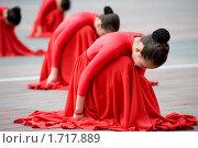 Купить «Танец», фото № 1717889, снято 9 мая 2010 г. (c) Александр Подшивалов / Фотобанк Лори