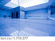 Купить «Интерьер современного офисного здания», фото № 1719377, снято 16 апреля 2010 г. (c) Бабенко Денис Юрьевич / Фотобанк Лори
