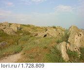 Купить «Скалистое побережье азовского моря в Крыму», фото № 1728809, снято 19 июля 2009 г. (c) Марина Бандуркина / Фотобанк Лори