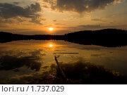 Закат на озере. Стоковое фото, фотограф Давыдов Юрий / Фотобанк Лори