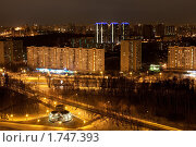 Купить «Вид на Кутузовский проспект ночью», фото № 1747393, снято 8 марта 2010 г. (c) Сергей Шляев / Фотобанк Лори