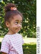 Купить «Портрет маленькой смуглой девочки в летнем парке», фото № 1757089, снято 6 июня 2010 г. (c) Цветков Виталий / Фотобанк Лори