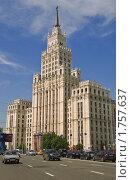 Купить «Сталинская высотка. Площадь Красные Ворота», эксклюзивное фото № 1757637, снято 3 июня 2010 г. (c) Алёшина Оксана / Фотобанк Лори