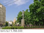 Купить «Памятник М.Ю. Лермонтову. Москва», эксклюзивное фото № 1760333, снято 3 июня 2010 г. (c) Алёшина Оксана / Фотобанк Лори