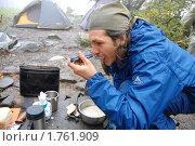 Купить «Завтрак туриста: в одно горло двойной ложкой», эксклюзивное фото № 1761909, снято 8 октября 2008 г. (c) Анна Мартынова / Фотобанк Лори