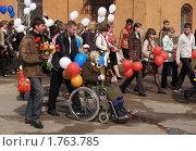 Купить «Праздничное шествие в День Победы», эксклюзивное фото № 1763785, снято 9 мая 2010 г. (c) Ирина Борсученко / Фотобанк Лори