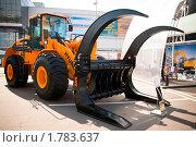 Купить «Фронтальный погрузчик Hyundai HL770», эксклюзивное фото № 1783637, снято 3 июня 2010 г. (c) Журавлев Андрей / Фотобанк Лори