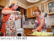Семейная ссора на почве пьянства (2010 год). Редакционное фото, фотограф Анна Мартынова / Фотобанк Лори